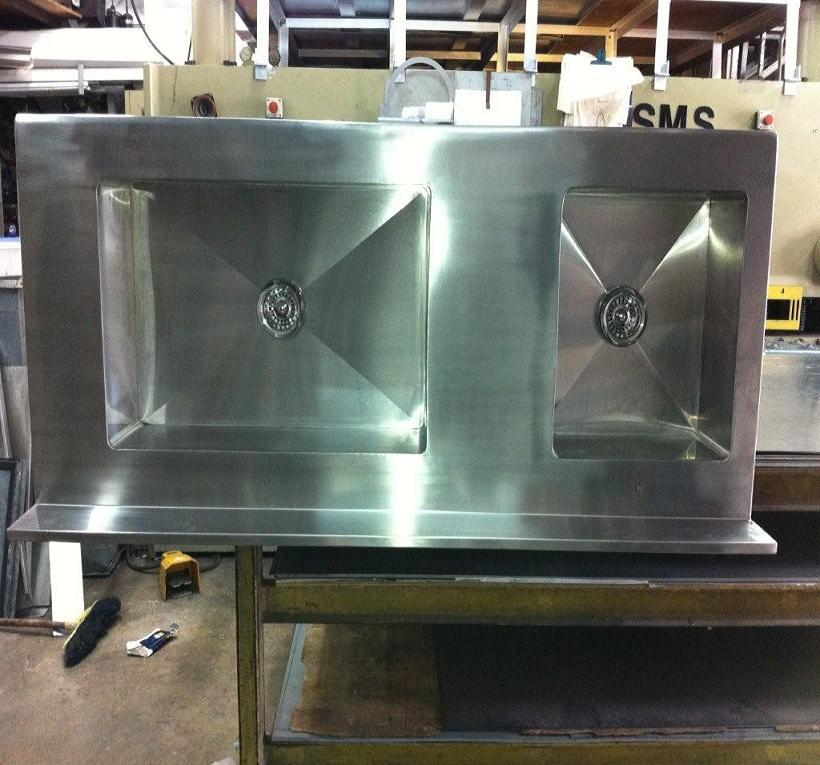 CUSTOM MADE COMMERCIAL BASIN